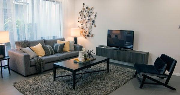 1-lounge-lr.jpg