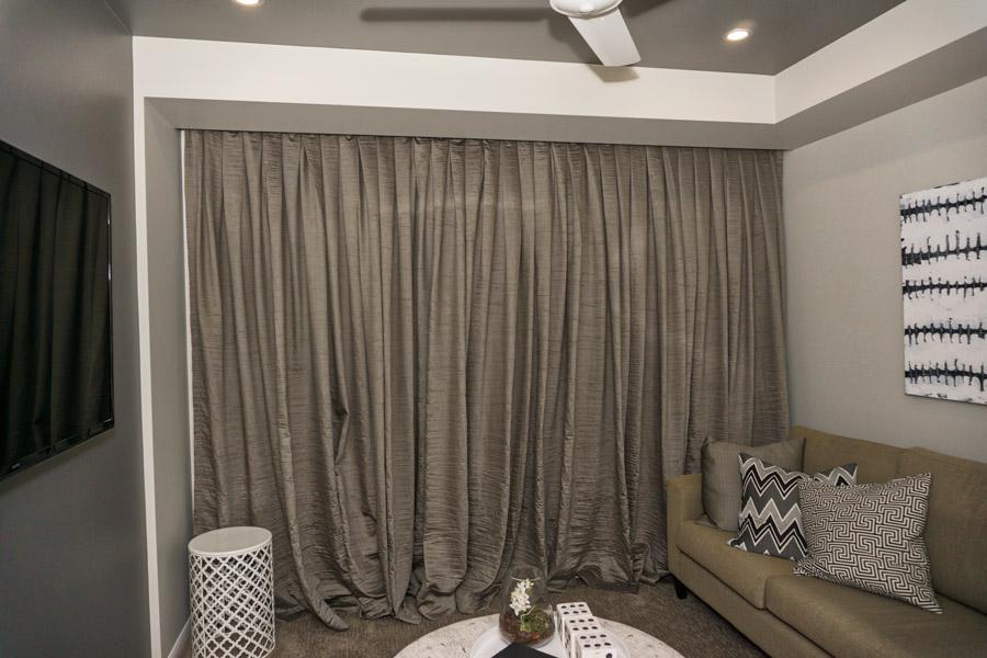 DSC00695-newport-lounge-900.jpg