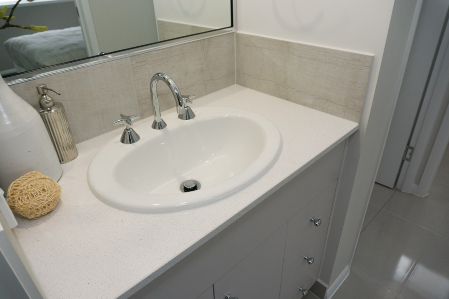 DSC00767-newport-manin-bath-900.jpg