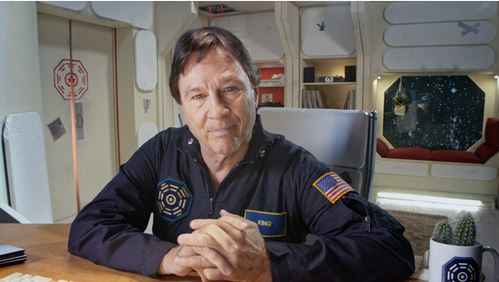 Richard Hatch as Robert King
