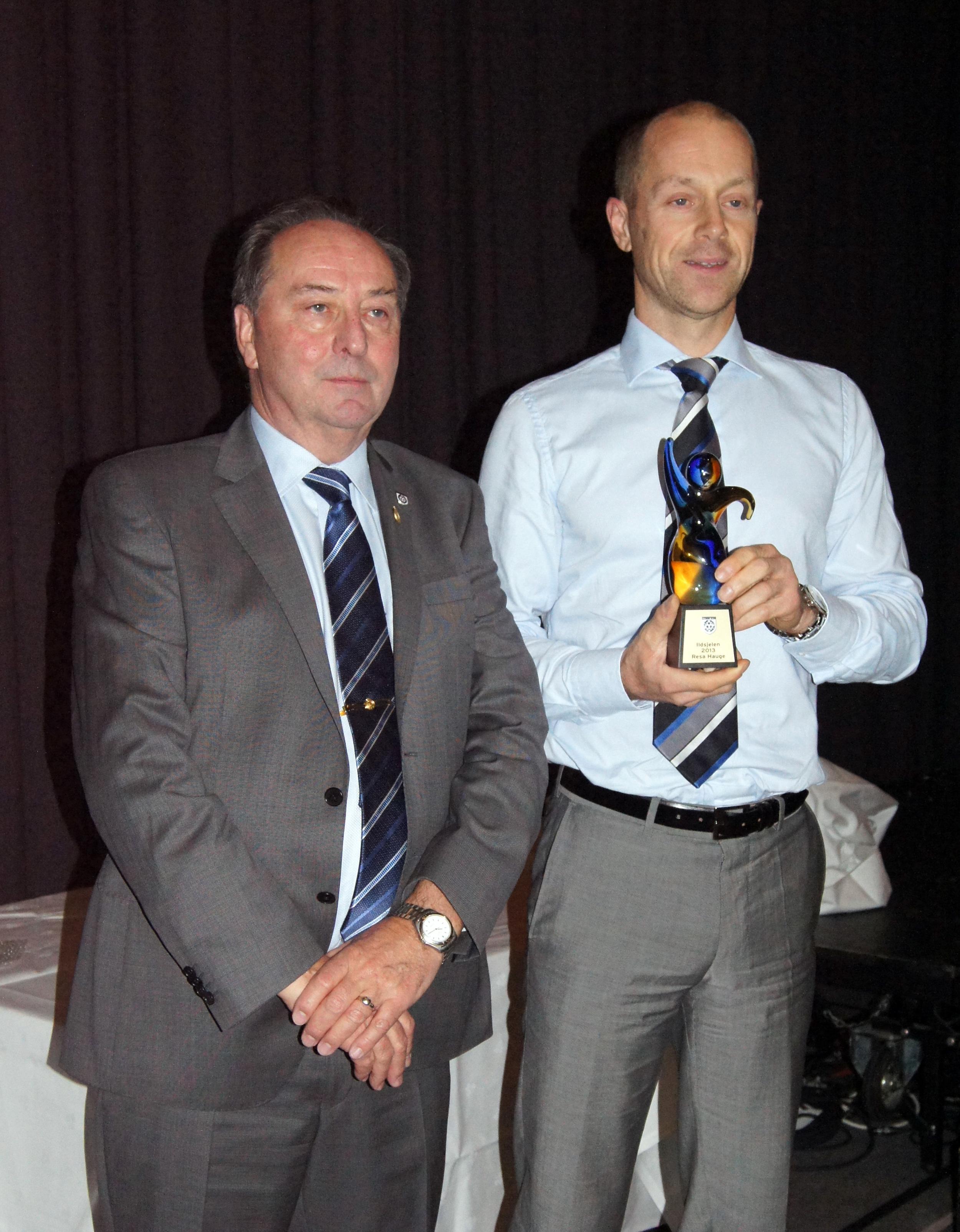 ILDSJELA: Resa Hauge fikk tildelt prisen for årets ildsjel av DK-leder Knut Westly.