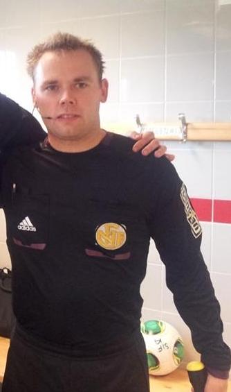 Eivin Hansen har gjennomført en solid sesong i Eliteserien. Nå kan han se frem til oppdraget som assistentdommer i cupfinalen mellom Rosenborg og Strømsgodset på Ullevaal stadion 2. desember.