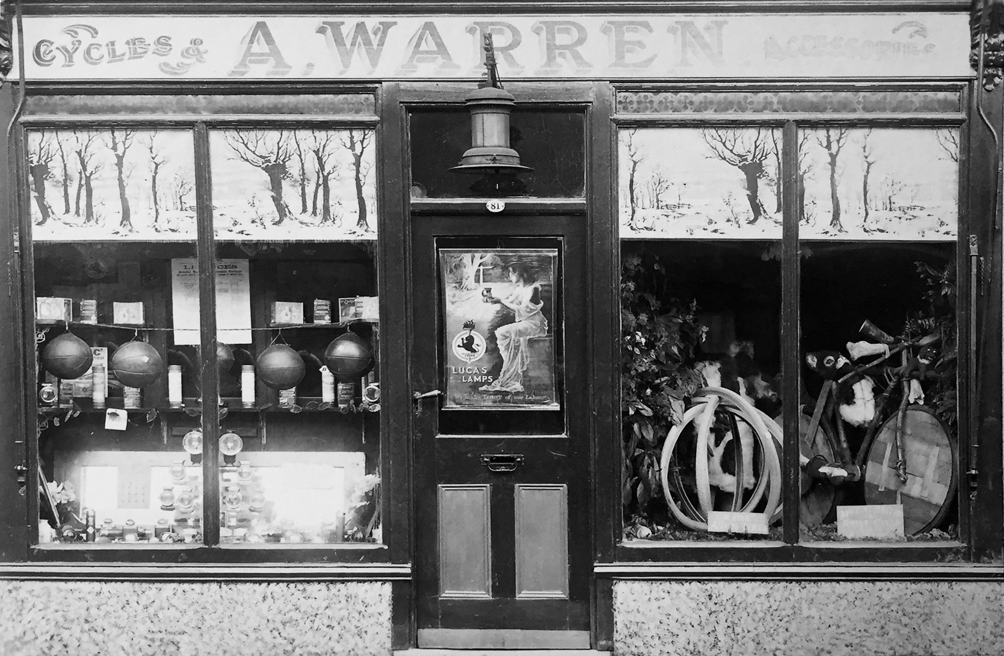 Stanley Warren Great grandfathers shop in Chippenham_s.jpg