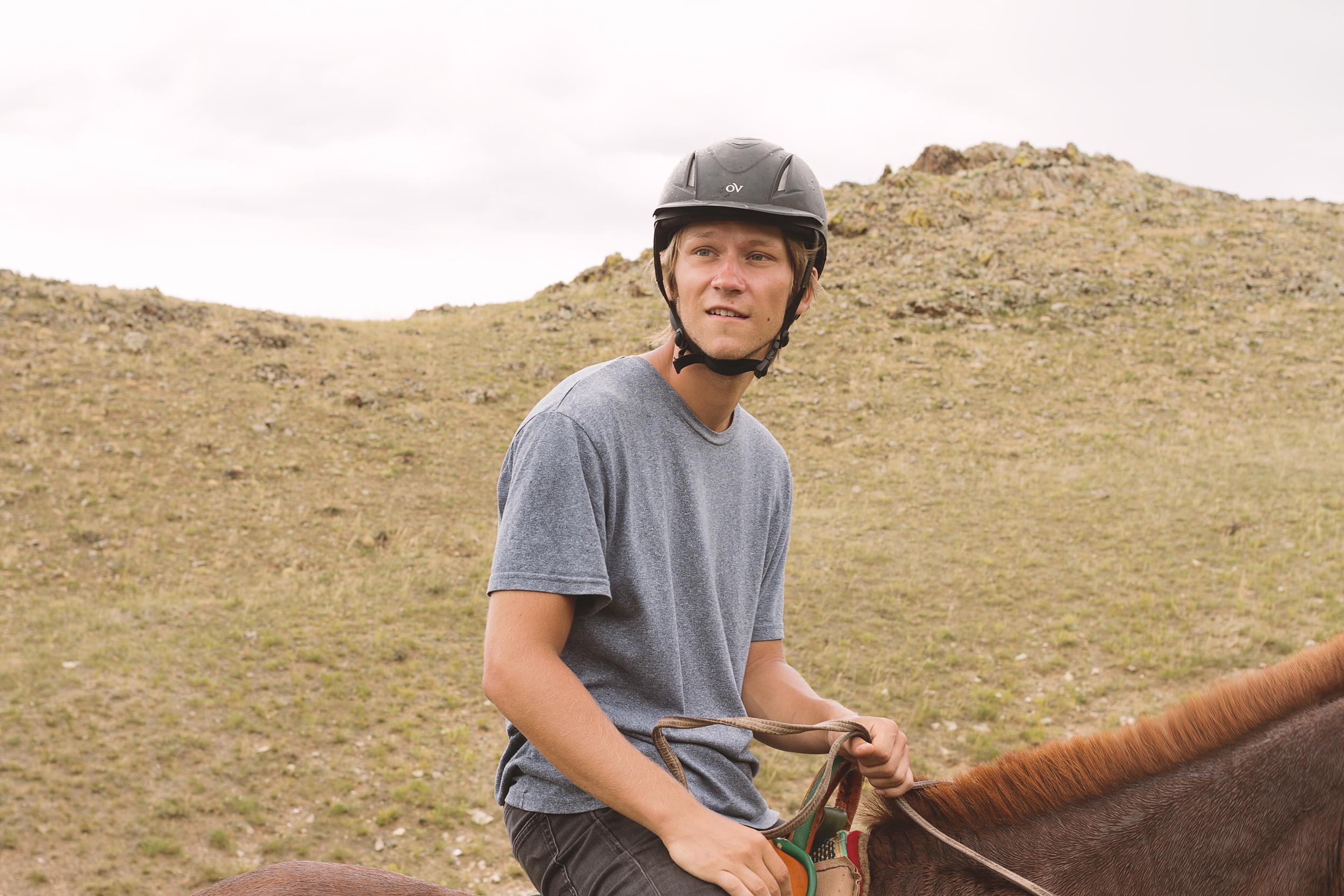 Kevin på hesten Rambo