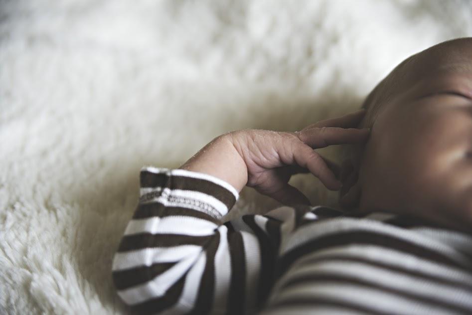 Candid-Newborn.jpg