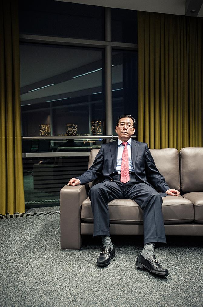 Suosheng Li