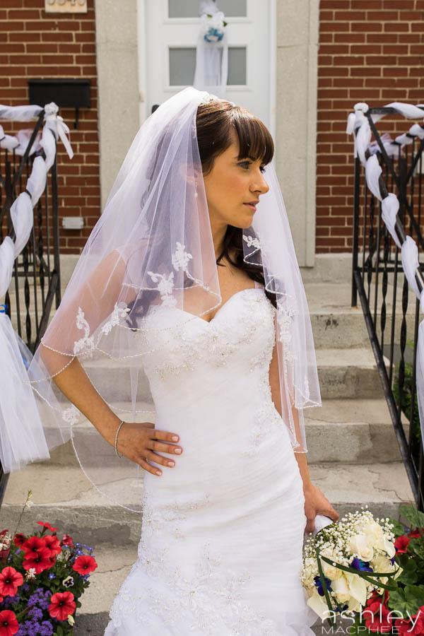 Ashley MacPhee Montreal Photographer Espaces Canal Wedding Photography (2 of 8).jpg