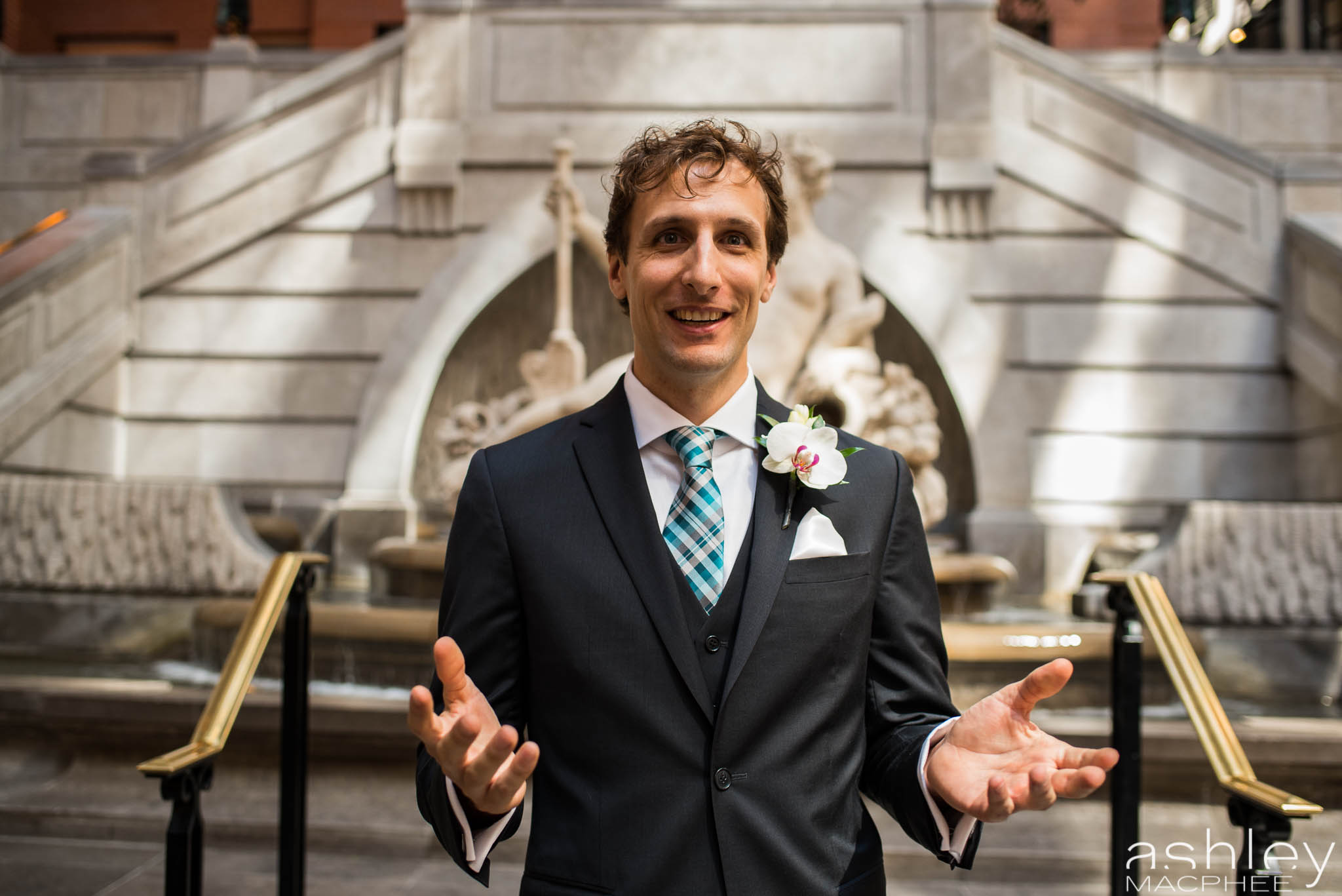 World Trade Center Montreal Wedding photos Jacquie Chris (14 of 101).jpg