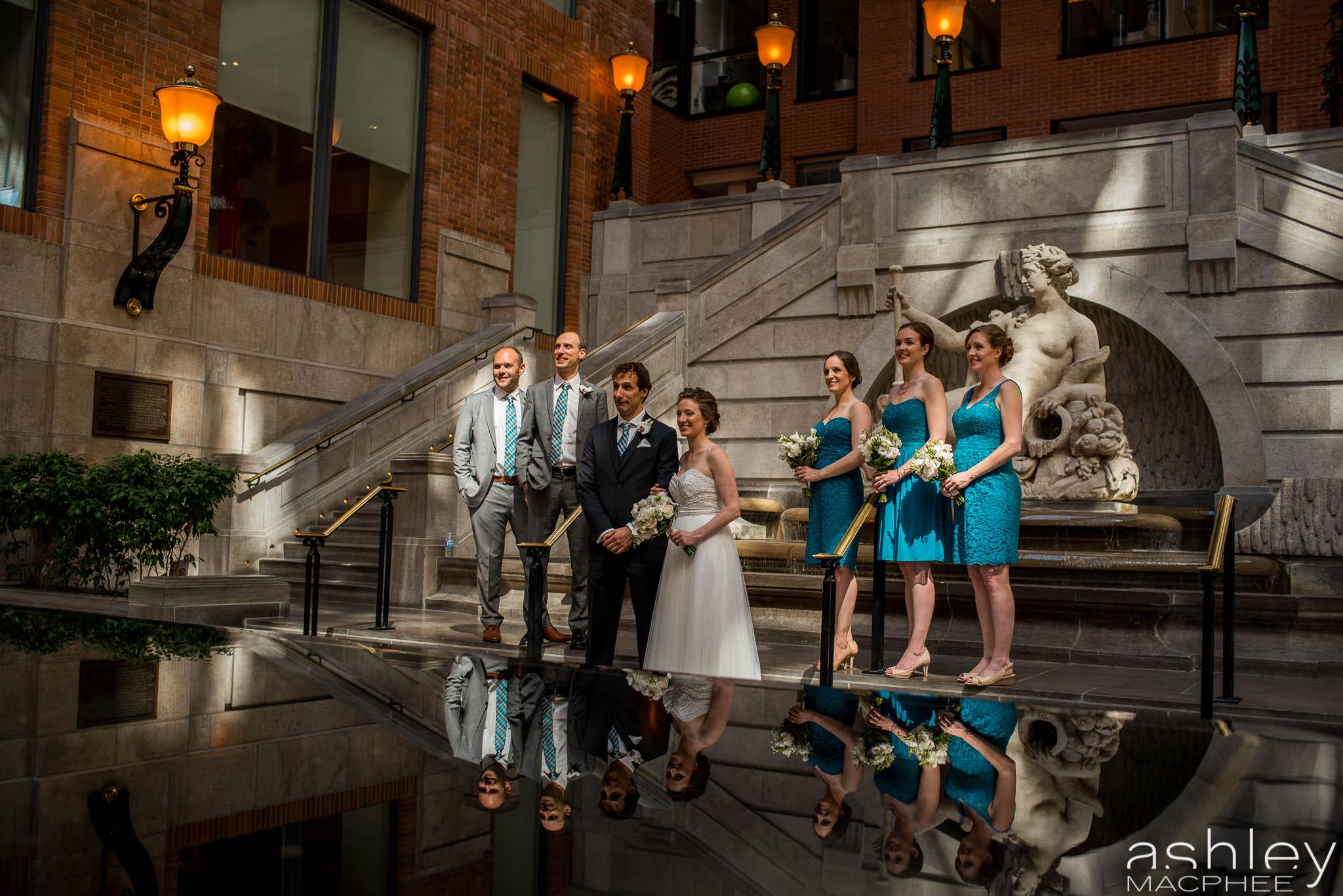 World Trade Center Montreal Wedding photos Jacquie Chris (22 of 101).jpg