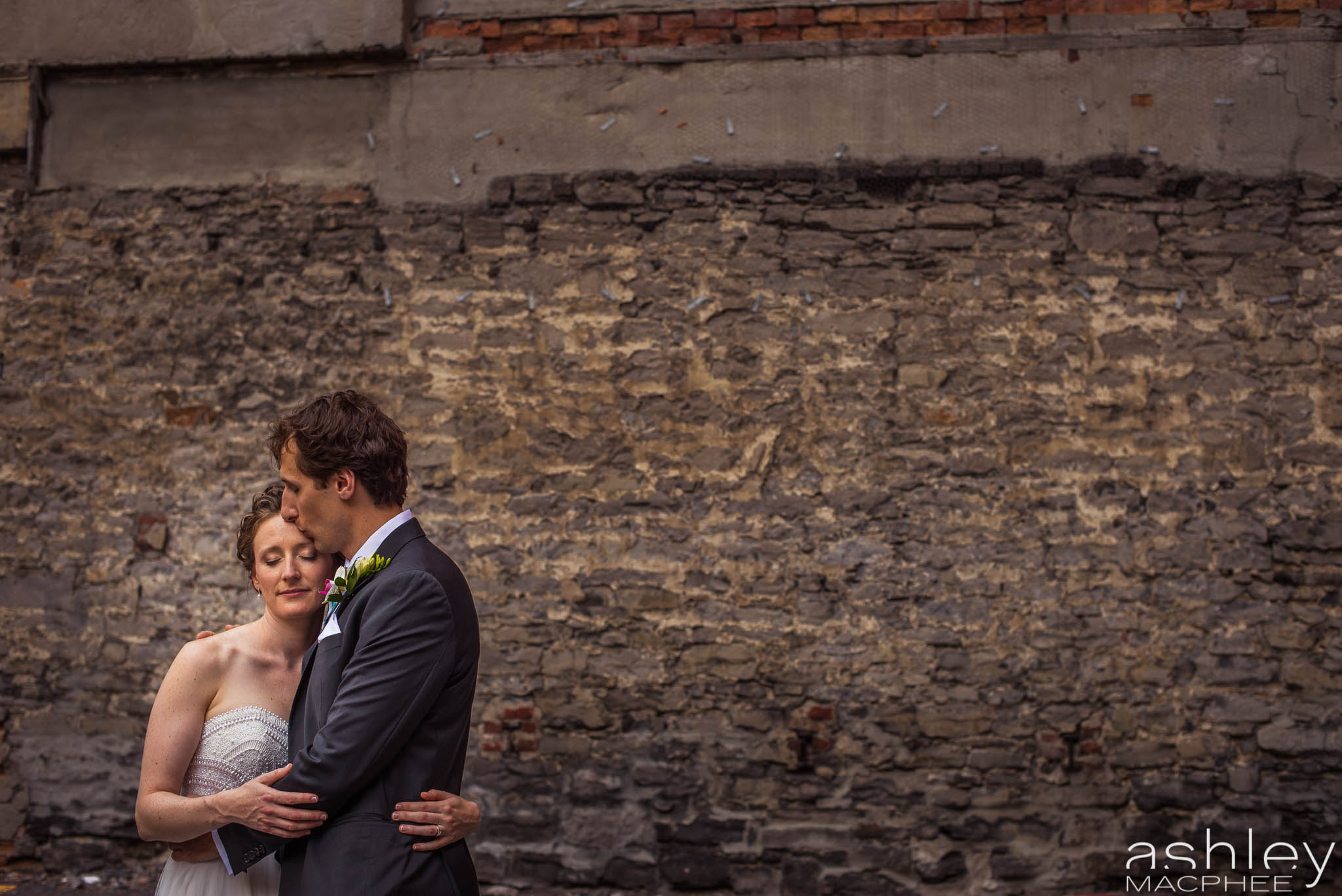 World Trade Center Montreal Wedding photos Jacquie Chris (30 of 101).jpg