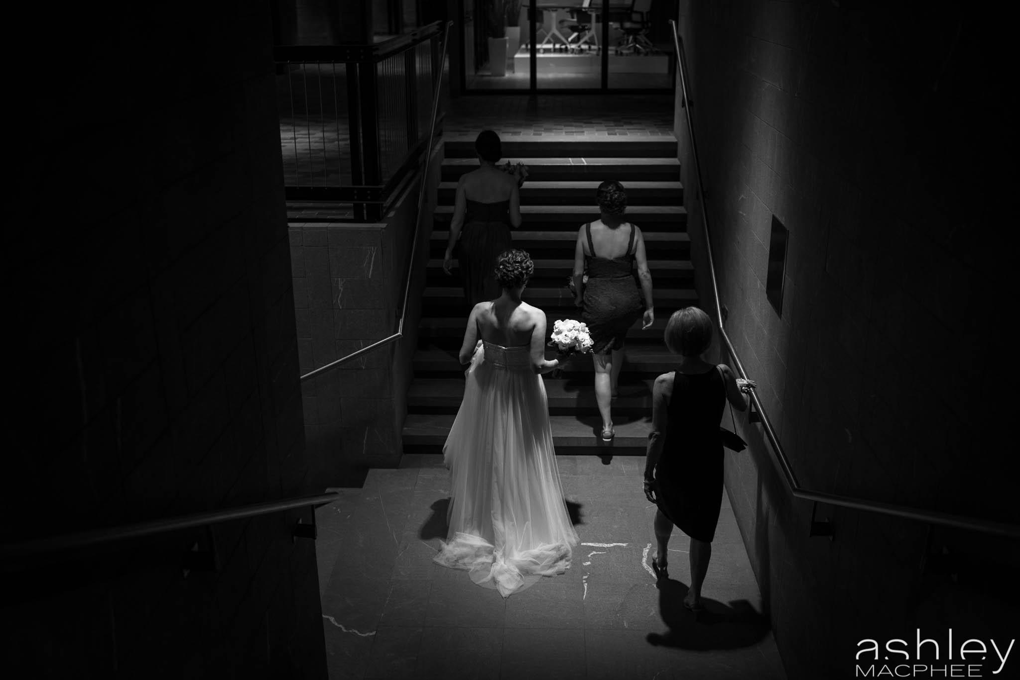 World Trade Center Montreal Wedding photos Jacquie Chris (49 of 101).jpg