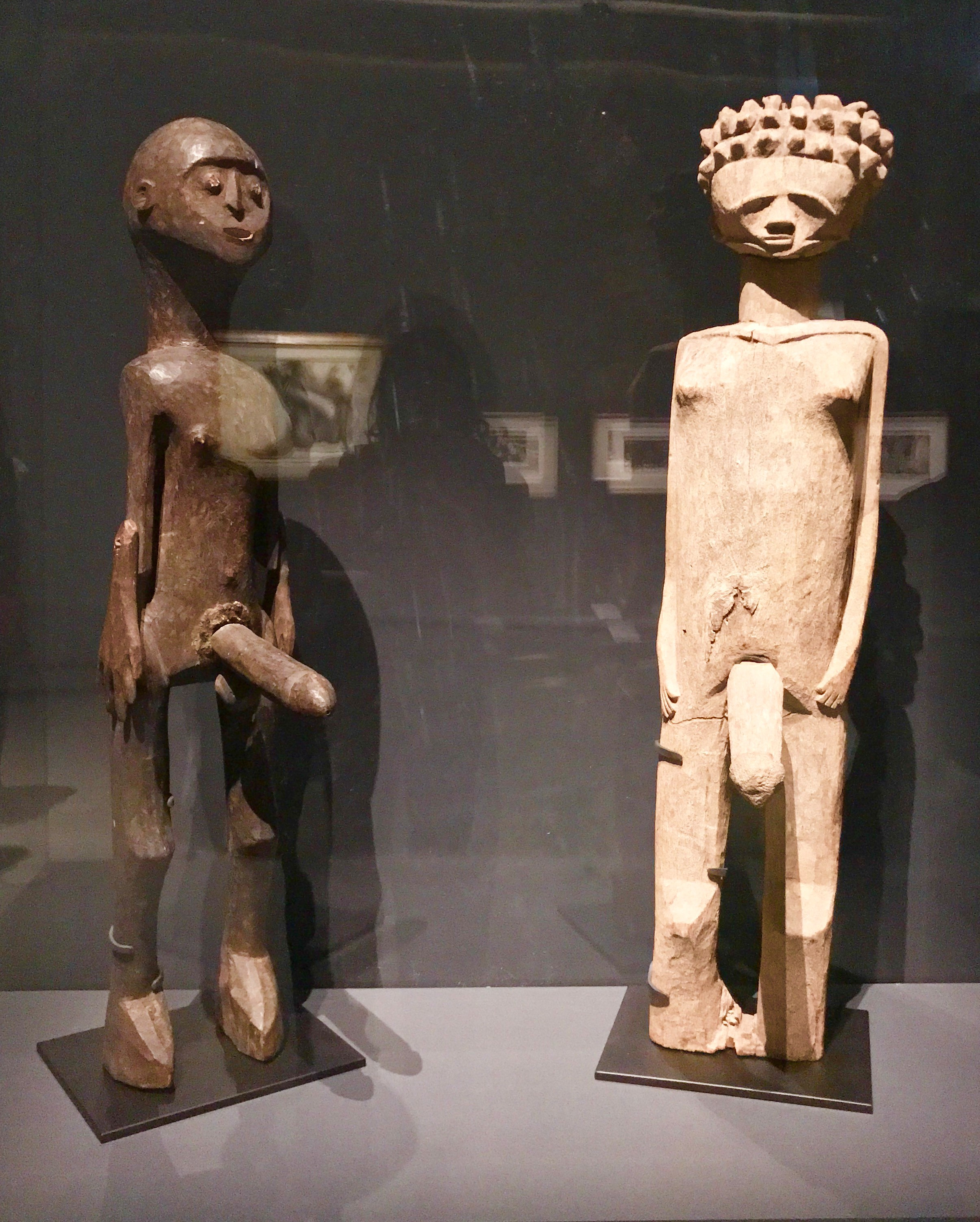 Anonymous African statues from the 20th century