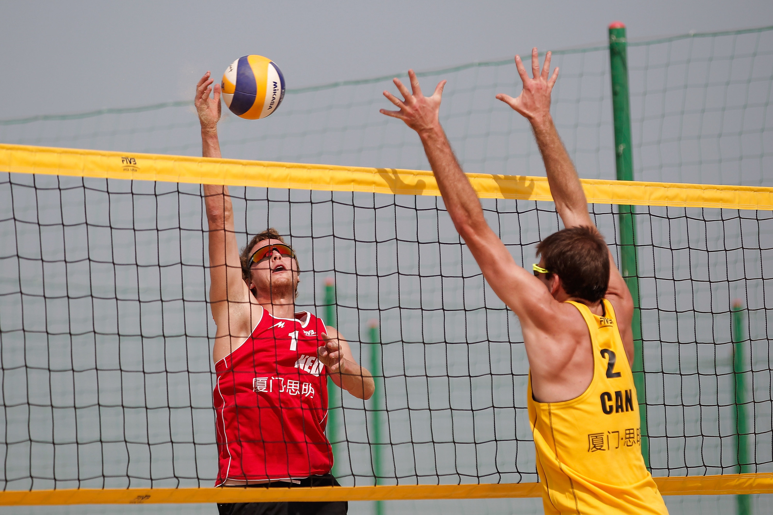 Ben Saxton goes up for a block.  Photo: FIVB
