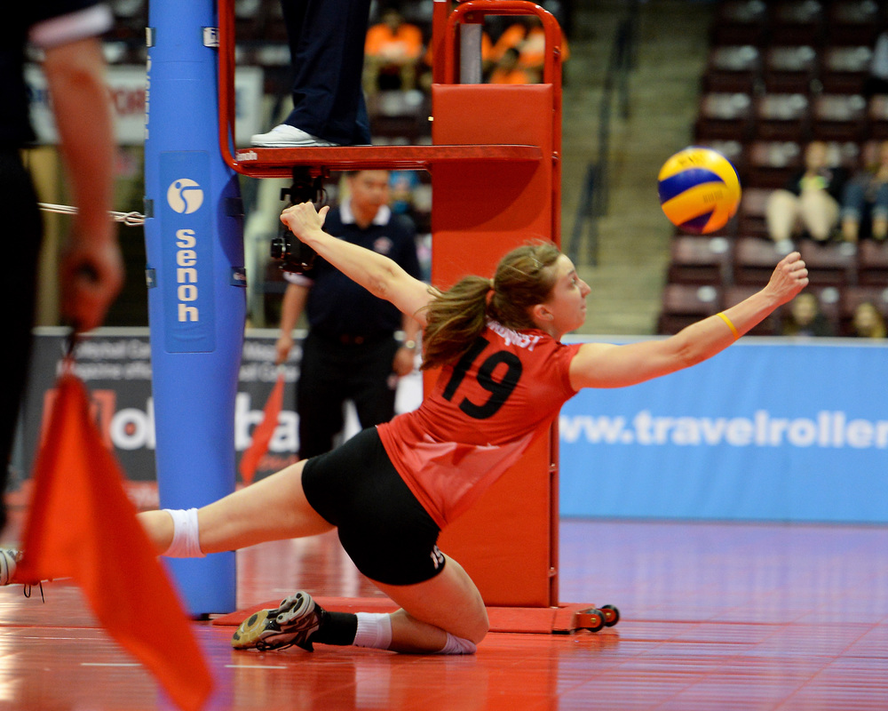 Canadian National team setter Jenn Lundquist and middle Lucy Charuk play for Hamburg in the German Bundesliga