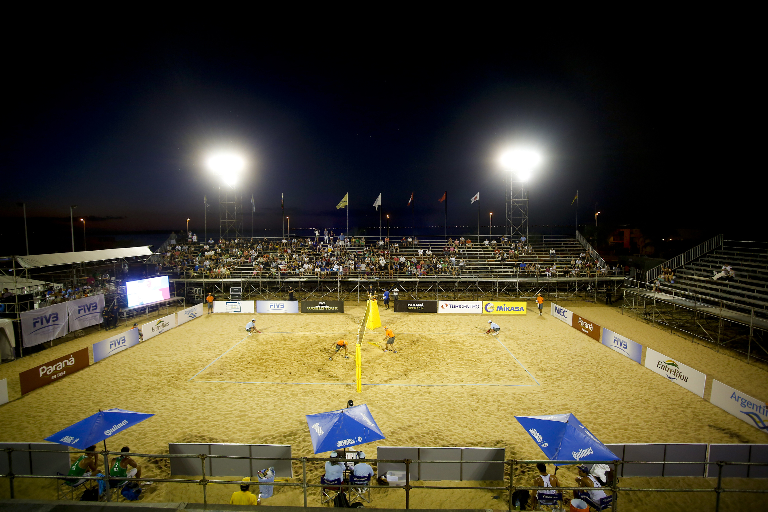 Centre court under the night lights at the Parana Open.