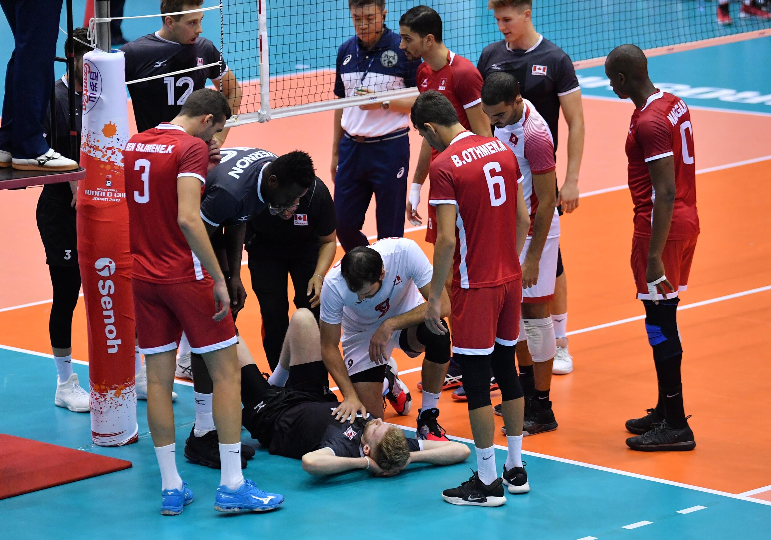 Setter Brett Walsh injured his ankle mid-way through the 1st set against Tunisia and will be out for the remainder of the tournament Photo: FIVB