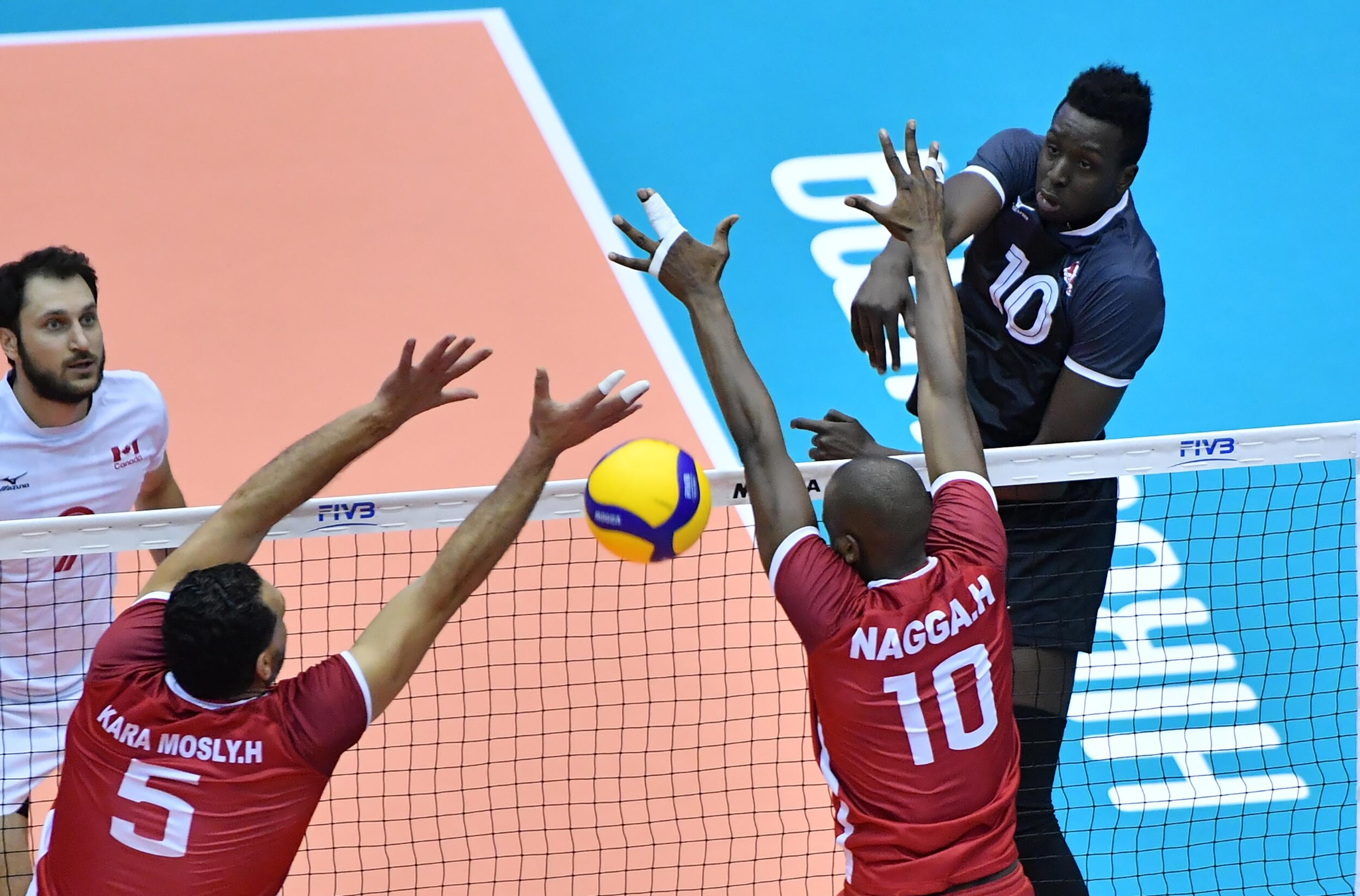 Sharone Vernon-Evans had his biggest night of the tournament, leading Canada with 23 points. Photo: FIVB