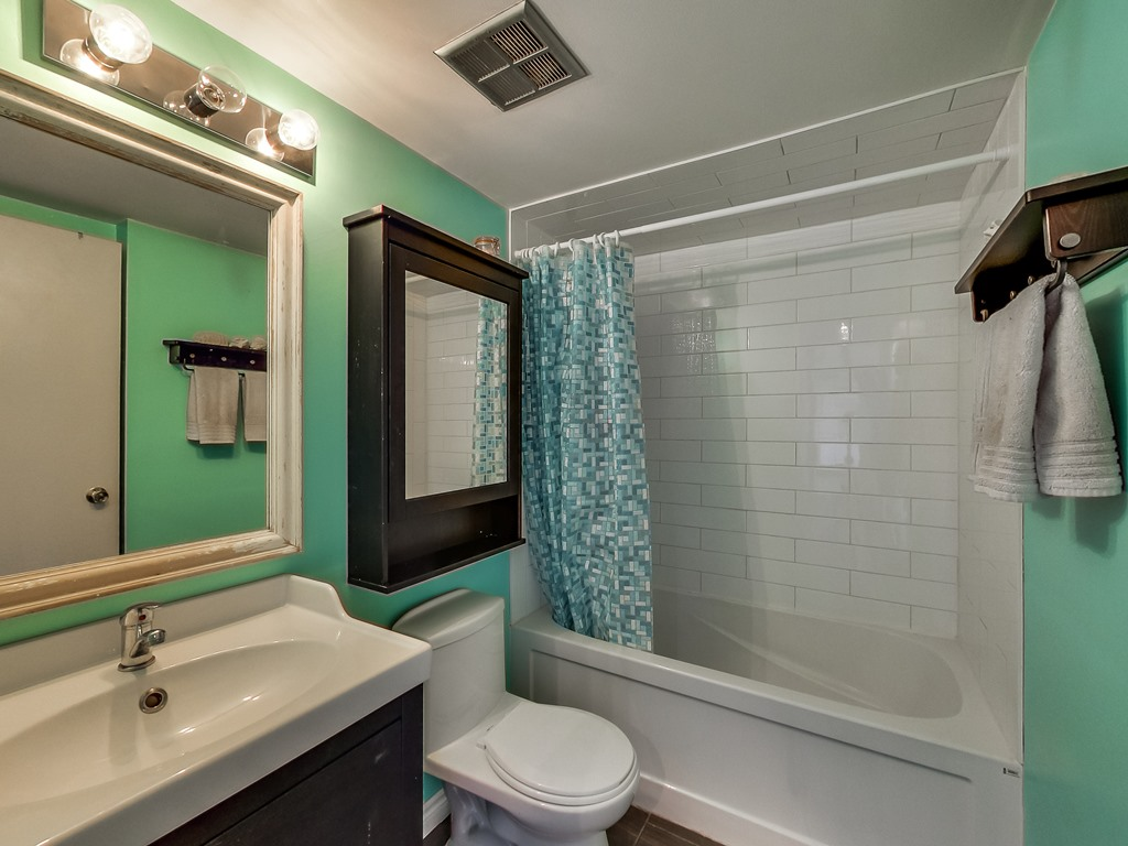2301-Derry-Road-West-Unit-1004-Mississauga-Karly-Moore-Real-Estate (5).jpg