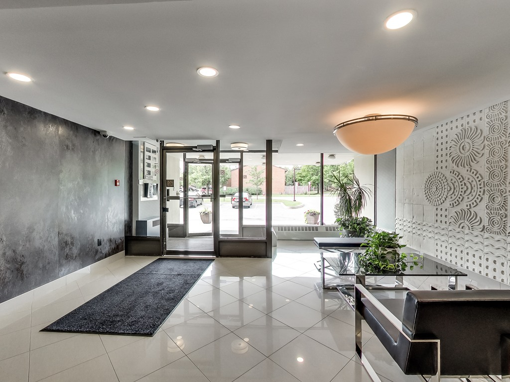 2301-Derry-Road-West-Unit-1004-Mississauga-Karly-Moore-Real-Estate (14).jpg