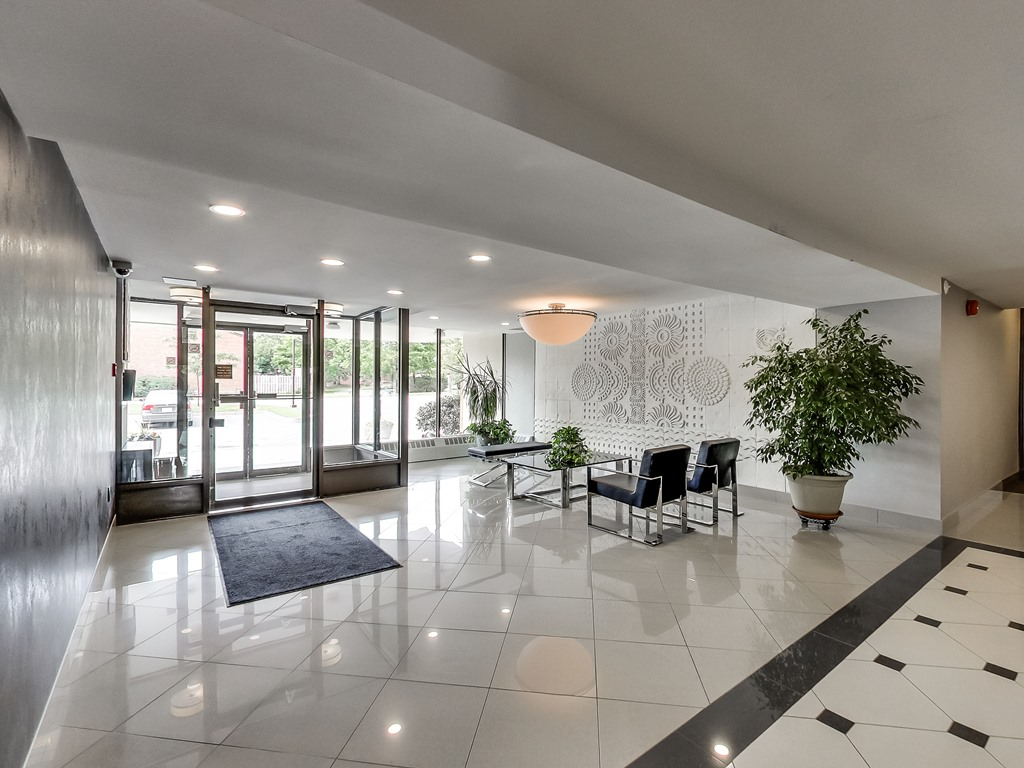 2301-Derry-Road-West-Unit-1004-Mississauga-Karly-Moore-Real-Estate (15).jpg