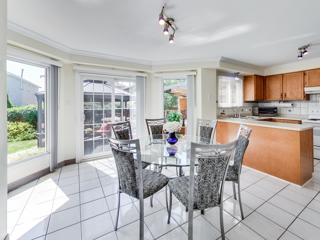 1558-Wintergrove-Gardens-Mississauga-Karly-Moore-For-Sale (19).jpg