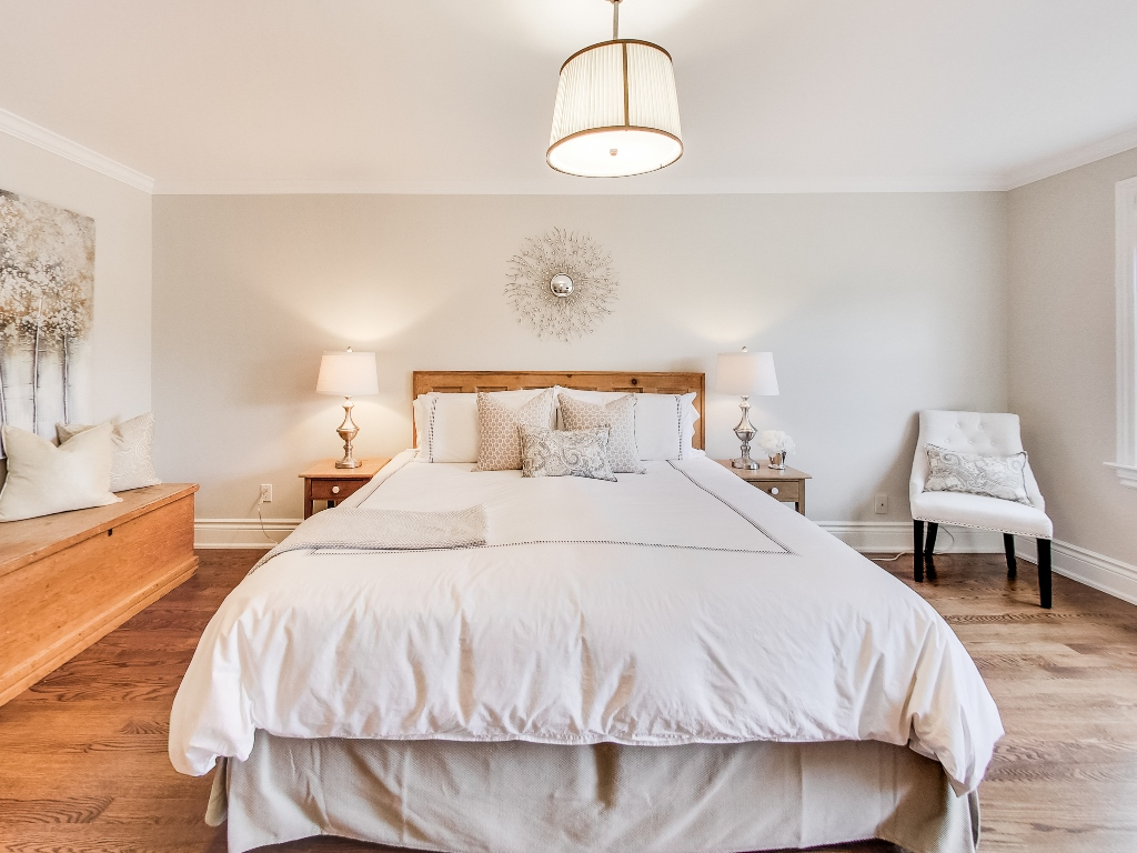 1079-Red-Pine-Cres-Lorne-Park-Mississauga-Real-Estate-Karly-Moore (31).jpg