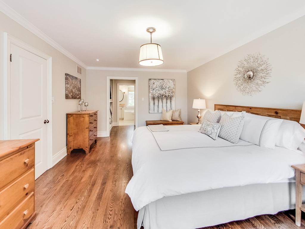 1079-Red-Pine-Cres-Lorne-Park-Mississauga-Real-Estate-Karly-Moore (32).jpg