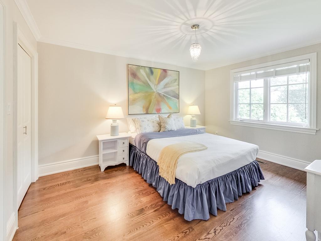1079-Red-Pine-Cres-Lorne-Park-Mississauga-Real-Estate-Karly-Moore (35).jpg