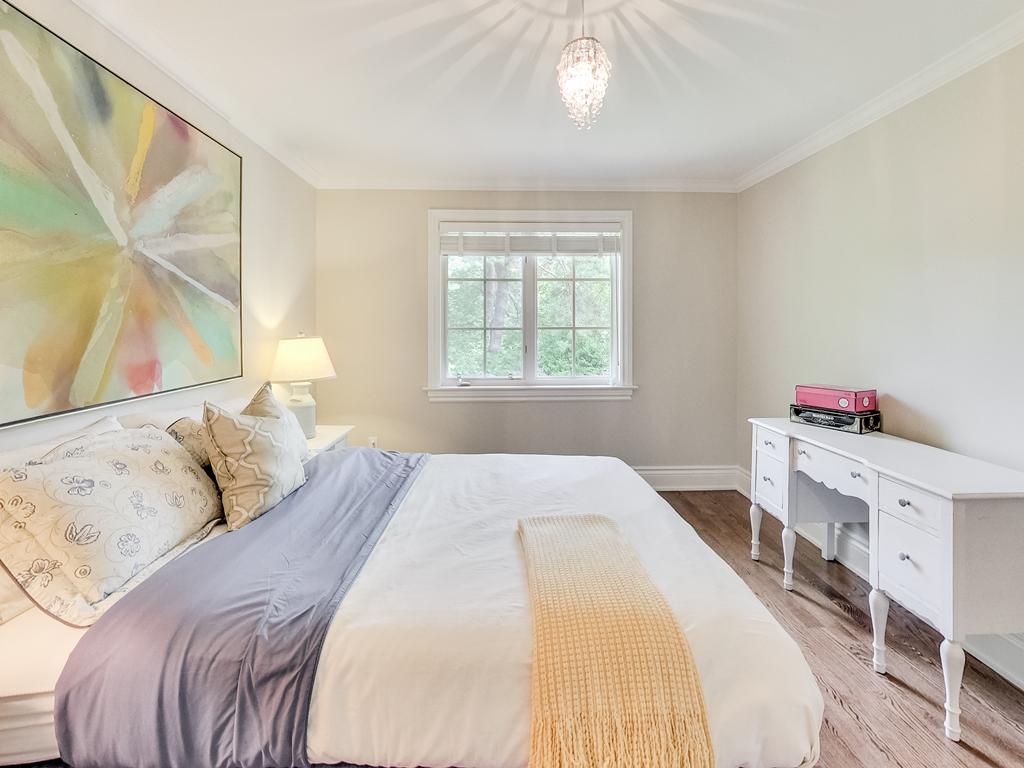 1079-Red-Pine-Cres-Lorne-Park-Mississauga-Real-Estate-Karly-Moore (36).jpg