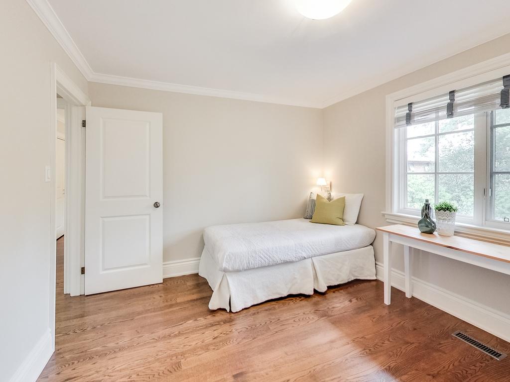 1079-Red-Pine-Cres-Lorne-Park-Mississauga-Real-Estate-Karly-Moore (41).jpg