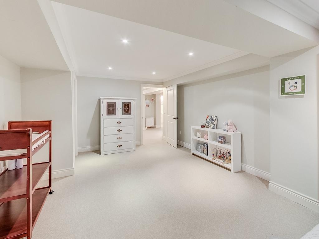 1079-Red-Pine-Cres-Lorne-Park-Mississauga-Real-Estate-Karly-Moore (49).jpg