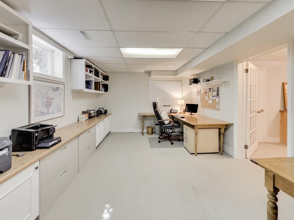 1079-Red-Pine-Cres-Lorne-Park-Mississauga-Real-Estate-Karly-Moore (51).jpg