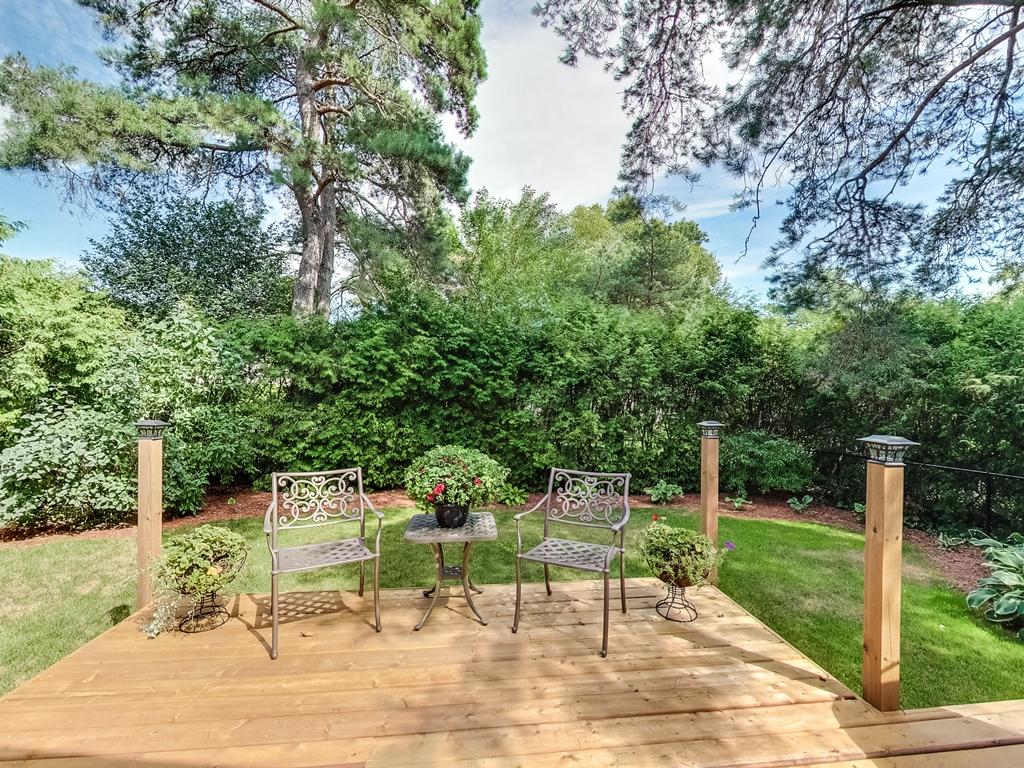 1079-Red-Pine-Cres-Lorne-Park-Mississauga-Real-Estate-Karly-Moore (53).jpg