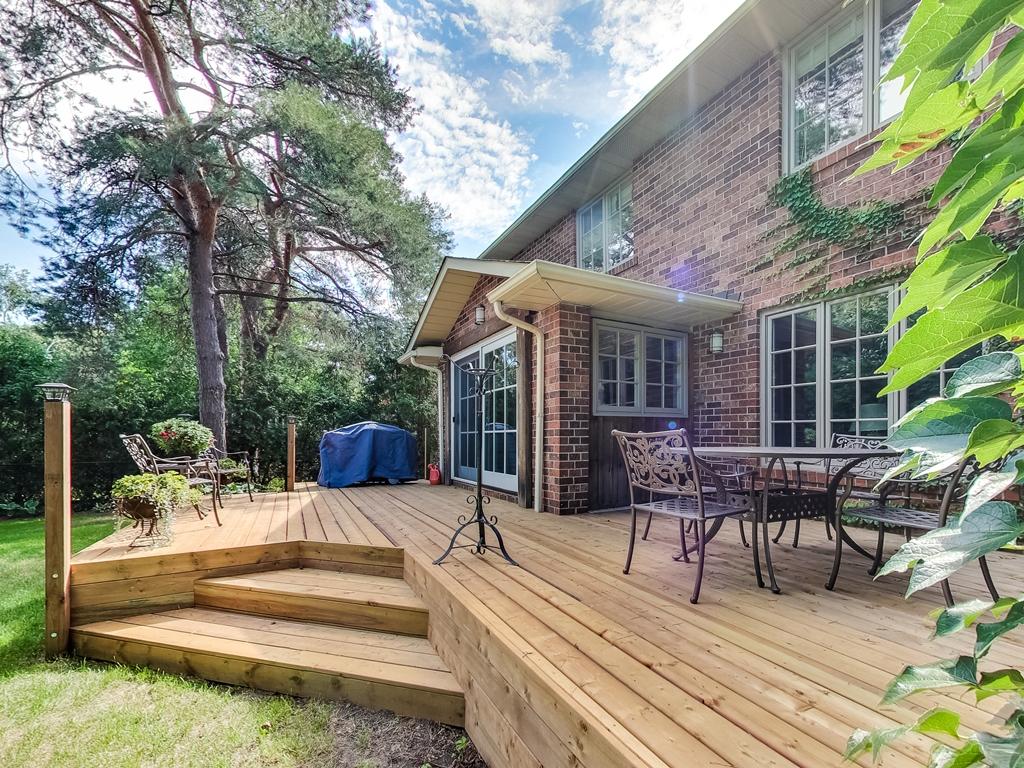 1079-Red-Pine-Cres-Lorne-Park-Mississauga-Real-Estate-Karly-Moore (55).jpg