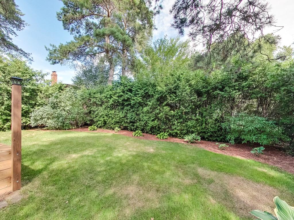 1079-Red-Pine-Cres-Lorne-Park-Mississauga-Real-Estate-Karly-Moore (57).jpg