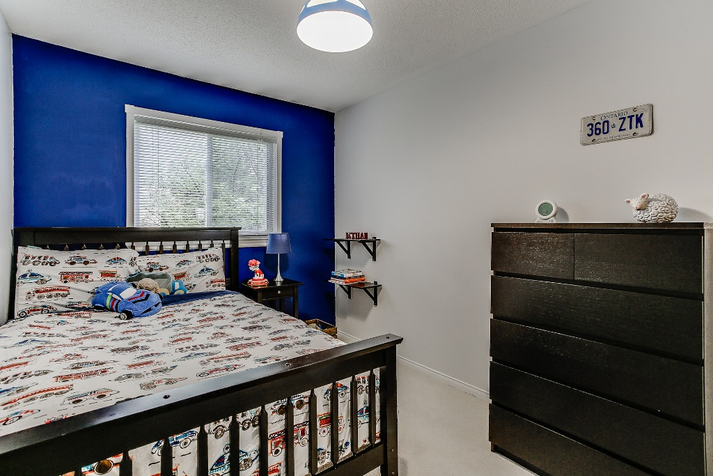 31_3rdbedroom2.jpg