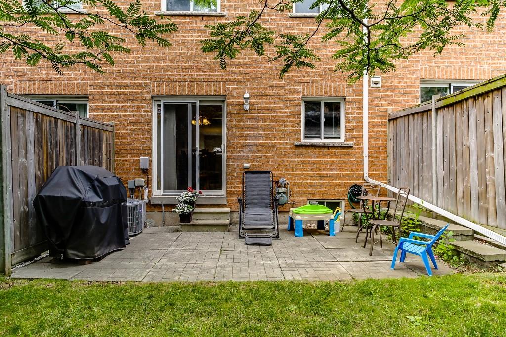 37_backyard5.jpg