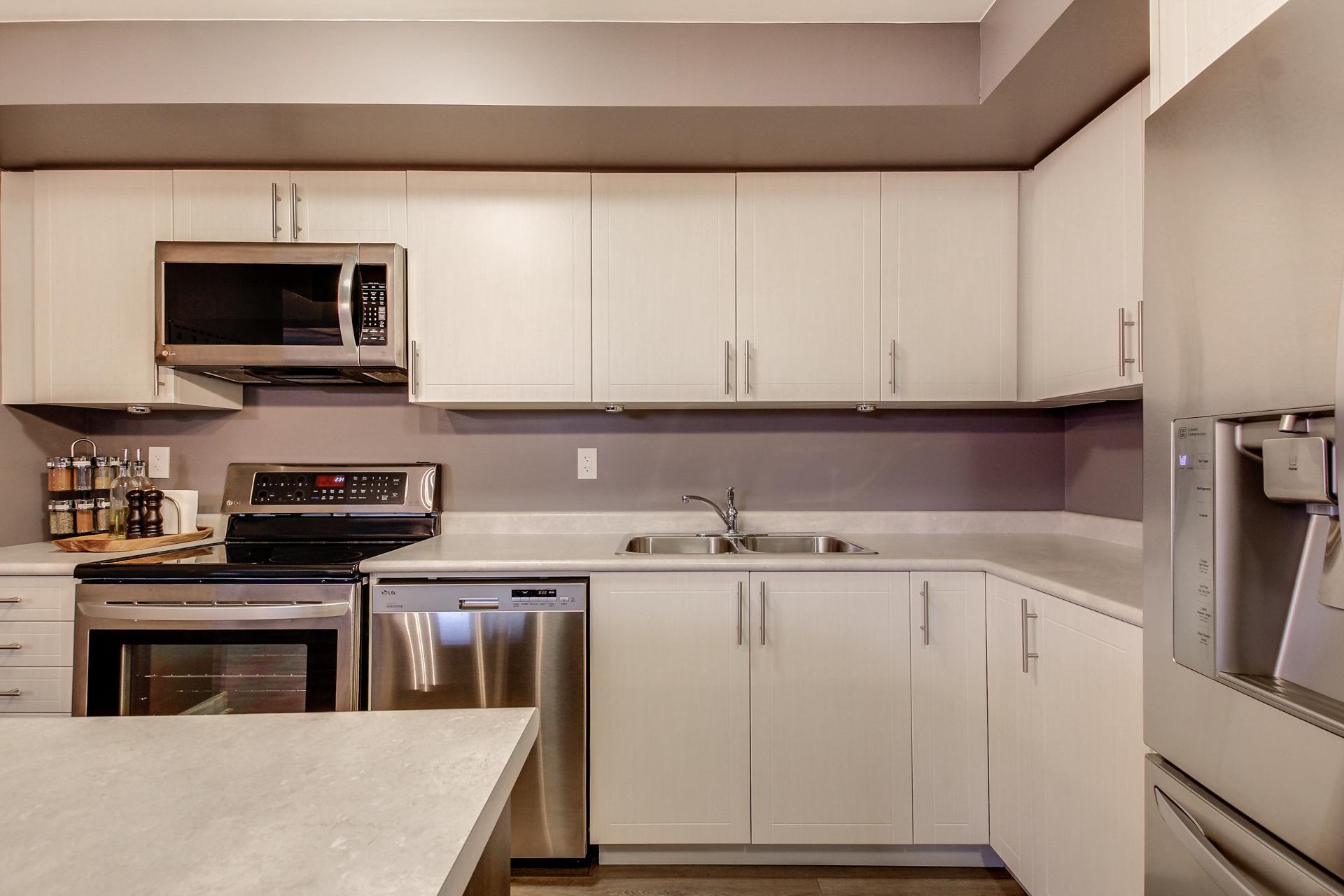 2420-Baronwood-Drive-2201-Oakville-For-Sale-Karly-Moore (14).jpg