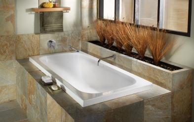 Freedom By Oceania 72x36x23 (73 gallons) (narrower tub) Would be great in a smaller bathroom!