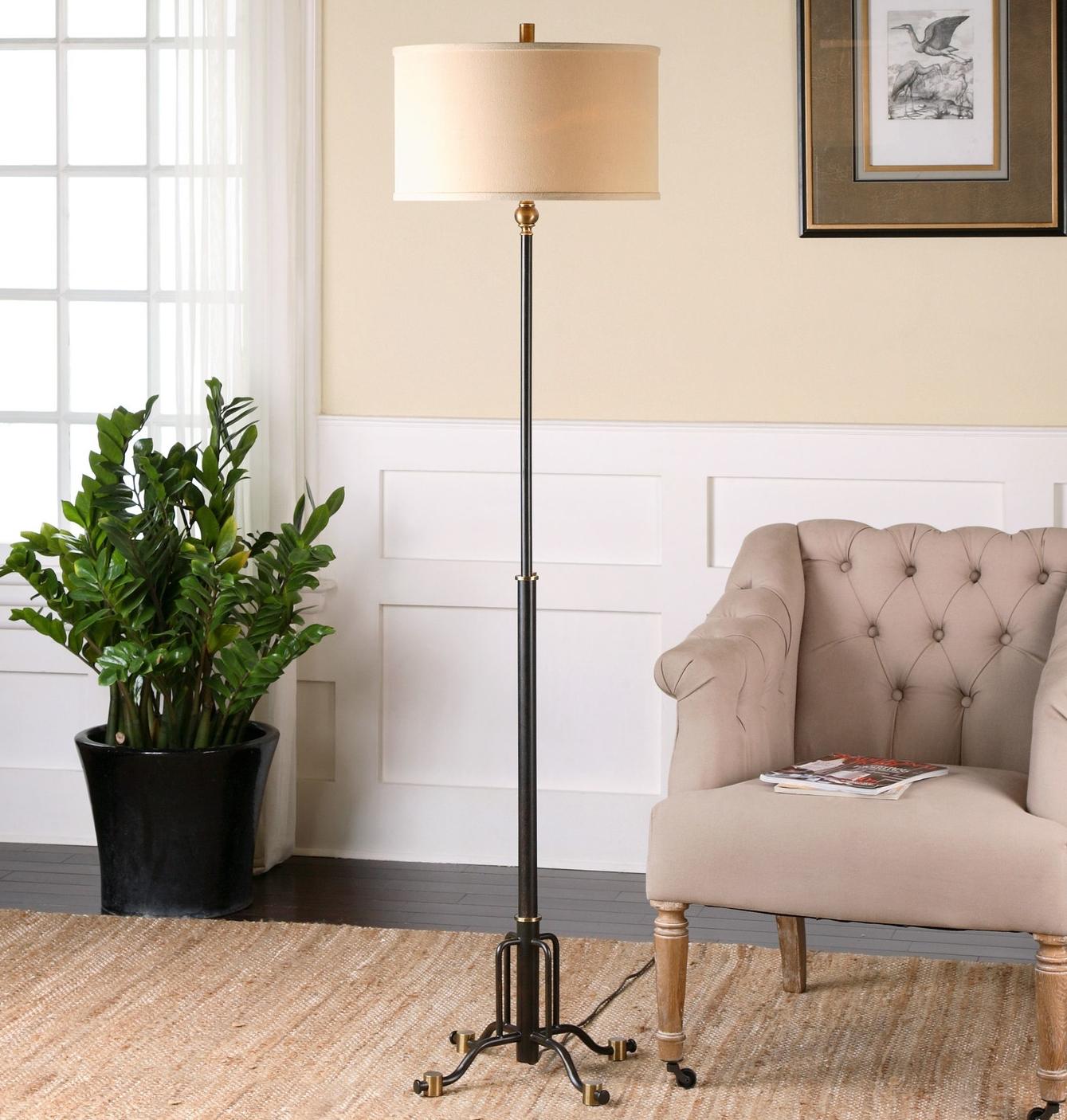 Halvern-69.25-Floor-Lamp-28636-1.jpg