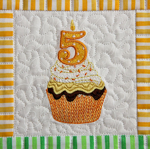 MJD-Cupcake-Candle-5.jpg
