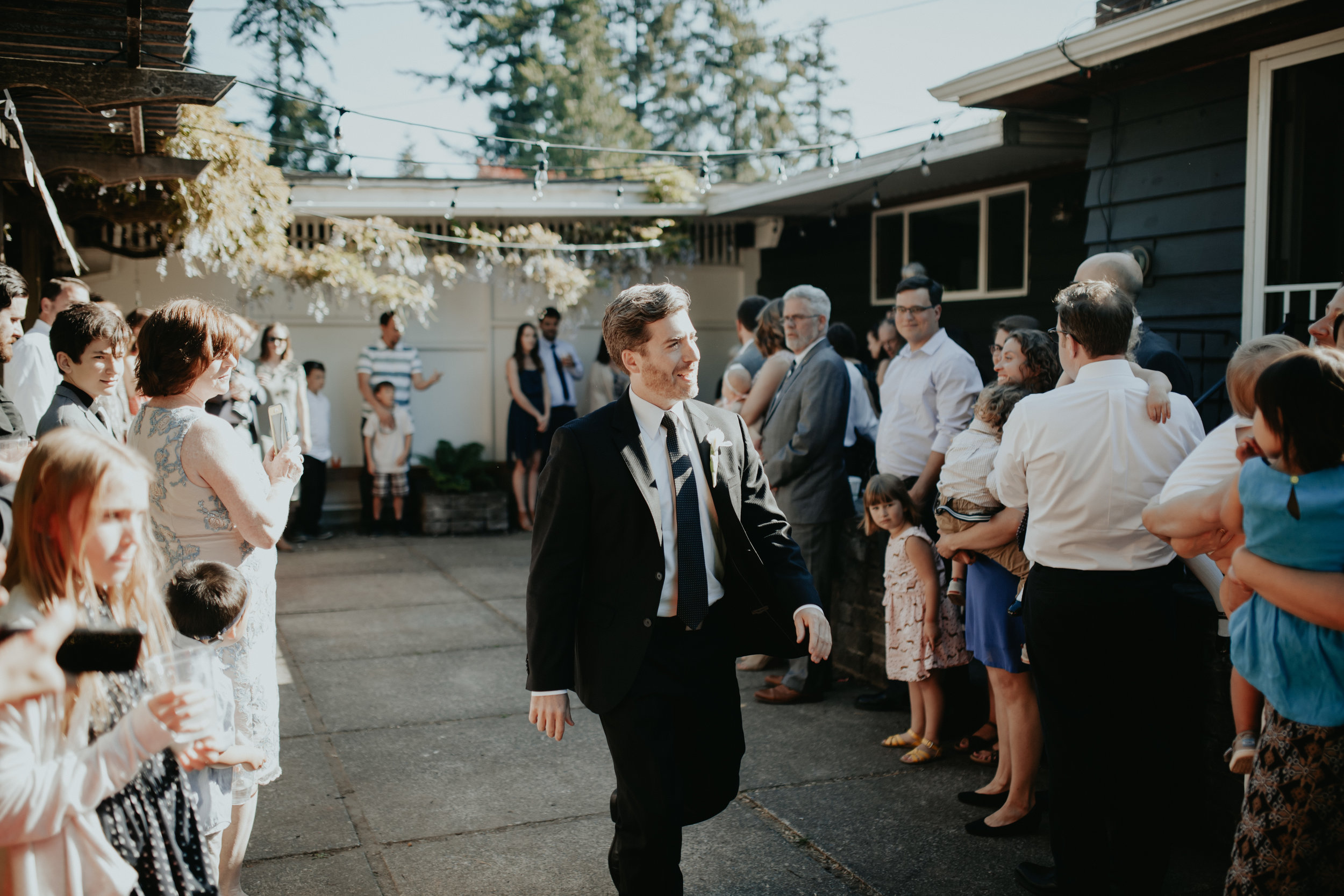 krissie francis photo | seattle wedding photographer | top wedding photographers in seattle | washington wedding photographer | elopement | small wedding | intimate wedding | wedding trends | olympia wa wedding photographer | backyard wedding