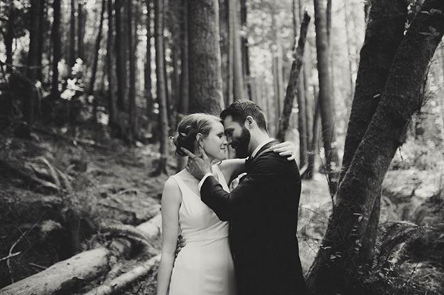 Aaaaaaand I'm obsessed. 🖤 . . . . . . . . . . . . #washingtonweddingphotographer #washingtonwedding #washingtonbride #elopementphotographer #elopement #engaged #weddingplanning #olympiawaweddingphotographer #olywa #seattleweddingphotographer #seattlebride #pnwwedding #untraditionalwedding #unpluggedwedding #weddingideas #weddinginspo #junebugweddings #theknot #firstlook #2019wedding #2019bride