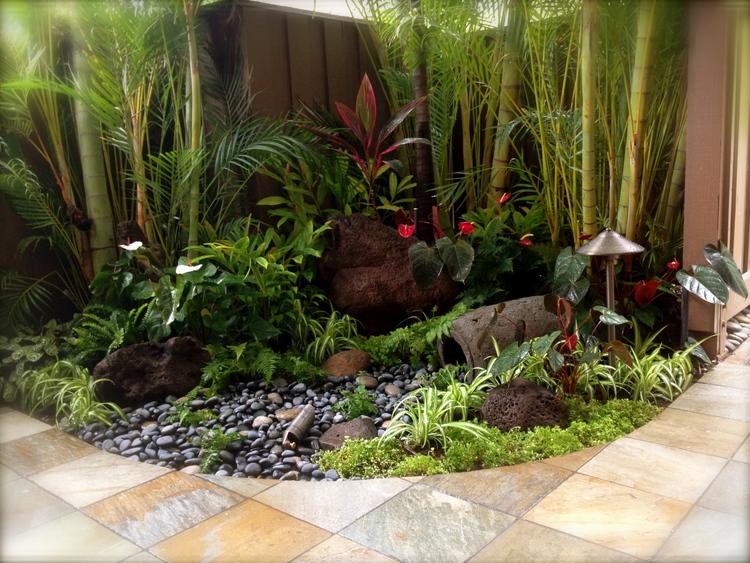 small courtyard.jpeg