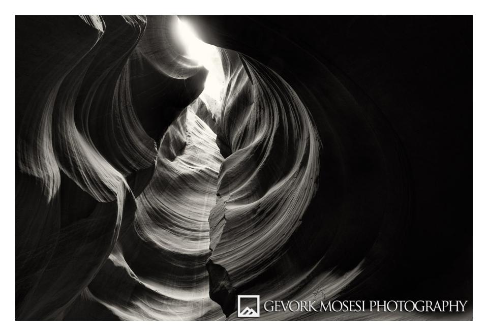 gevork_mosesi_photoraphy_antelope_canyon_lower_page_arizona_az_landscape_black_and_white_bw-1.jpg