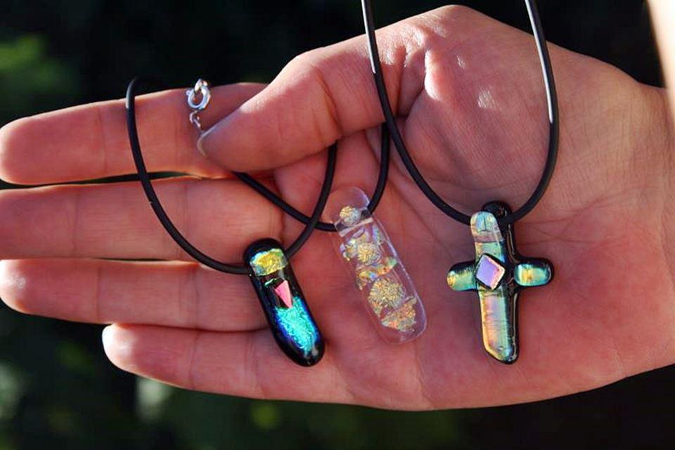 creative iceland glass jewelry workshop_05.jpg