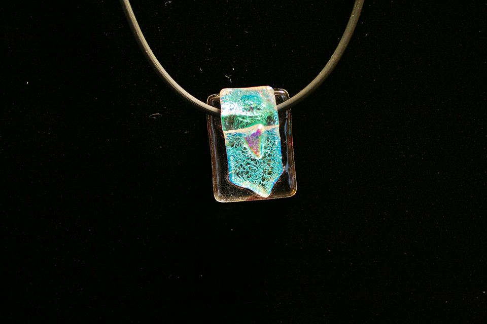 creative iceland glass jewelry workshop_04.jpg