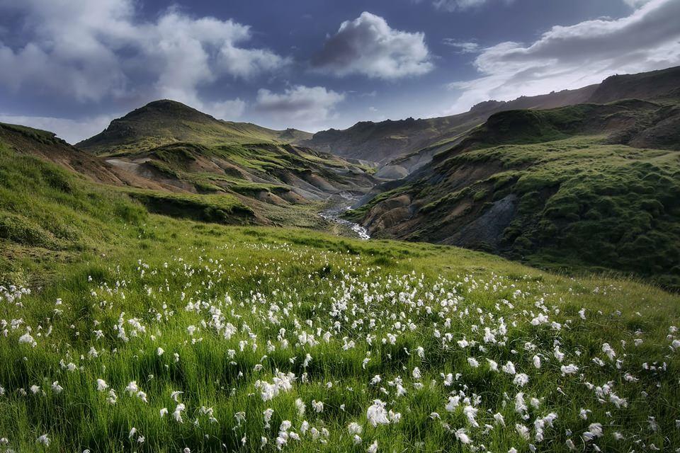 creative iceland landscape photography reykjanes trolladyngja2.jpg