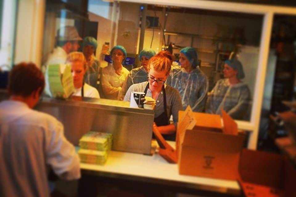 creative iceland icelandic chocolate making and factory tour 05
