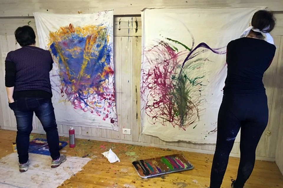 Collaborative painting workshop Creative Iceland 9